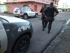 Dois homens morrem em confronto com a polícia na Zona Norte de Natal.