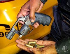 Motorista de aplicativo reage a assalto, toma arma e atira em bandido na Zona Sul de Natal