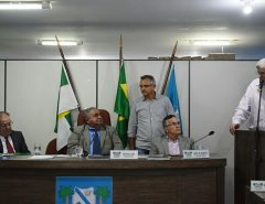 Prefeito Fernando Cunha prestigia assinatura de filiação da Câmara Municipal de Macaíba à FECAM/RN