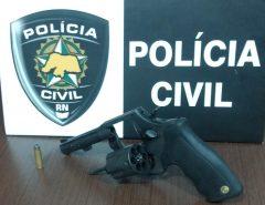 Polícia Civil prende dupla com arma e munições em Macaíba