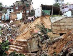 Famílias receberão casas 6 anos após desastre ambiental em Mãe Luiza
