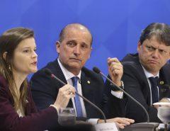 Brasília: Governo abre estudos para privatizar Correios e mais oito estatais