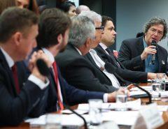 Presidentes da Capes e do CNPq apelam a deputados por mais verba para pesquisa