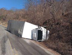 Acidente com caminhão na serra de Martins-RN