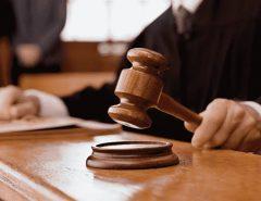 Justiça: Desembargador libera comercialização de bebidas alcoólicas até 22h e autoriza funcionamento de escolas