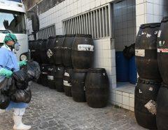 Lixo hospitalar continua acumulado em unidades estaduais de Natal