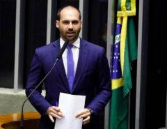 Novo líder do PSL, Eduardo Bolsonaro diz que futuro da família na sigla é incerto