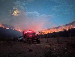 Após seis dias, bombeiros controlam incêndio florestal no interior do RN