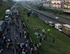 """Com apoio da CUT, caminhoneiros autônomos anunciam paralisação nacional na segunda(16) em meio a categoria """"dividida"""""""