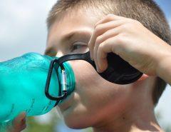 Consumo de água mineral aumenta com o início do verão