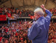 Lula critica militares e diz que só conversará com Forças Armadas se for eleito