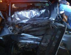 Homem morre ao bater carro na traseira de caminhão na BR-101 no sul do RN