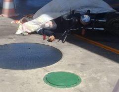Motociclista é morto com 17 tiros em posto de combustíveis em praia de Tibau do Sul