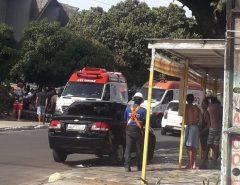 Motorista sobe calçada com o carro e atropela seis pessoas na Zona Norte de Natal