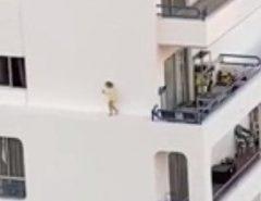 Vídeo: Criança é filmada caminhando no parapeito de um prédio