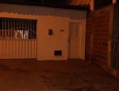 Idoso é morto a tiros na frente da família na calçada de casa em Natal