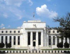 Banco Central dos EUA corta juros a quase zero para estimular a economia