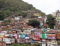 Projetos buscam garantir renda mínima à população em tempos de calamidades