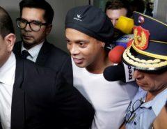 Cadeia: Ronaldinho Gaúcho e irmão são presos pela polícia do Paraguai