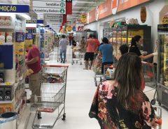 Justiça suspende proibição de abertura de supermercados e padarias aos domingos e feriados no RN