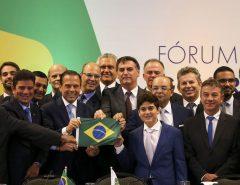 """O Presidente Jair Bolsonaro critica """"governadores que quebraram seus estados"""""""