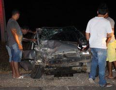 Colisão frontal entre dois carros deixa ao menos quatro pessoas feridas na RN 117 em Mossoró RN