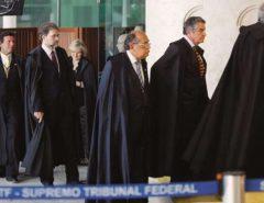 SÓ NO BRASIL: STF forma maioria para suspender convocação de governadores à CPI da Pandemia