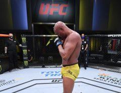 Adeus: Anderson Silva perde mais uma luta em despedida