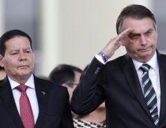 PRESIDENTE JAIR BOLSONARO TORNA OFICIAL O DISTANCIAMENTO COM O SEU VICE MOURÃO