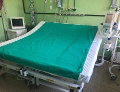 Um homem com quase 300 quilos consegue leito de UTI na Justiça e hospital em Natal junta duas camas para recebê-lo