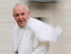 ELE REVOLUCIONOU: Diabo, aborto, crise econômica, abuso sexual, protestos: o papa Francisco se revela em livro
