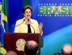 PENSE EM UMA GOLPISTA: Dilma quer reparação milionária por ter sido 'pressionada' a se demitir em 1977