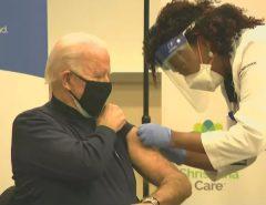 FOTO: Joe Biden, presidente eleito dos Estados Unidos, recebe vacina contra a Covid-19