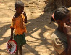 ÁFRICA: Madagascar, na costa da África, vive fome endêmica após anos de seca