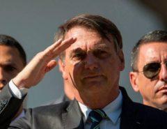 NINGUÉM SEGURA: Bolsonaro lidera cenário eleitoral para 2022 contra todos os eventuais concorrentes