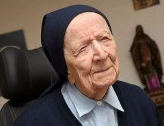 COVID-19: Segunda pessoa mais velha do mundo, freira de 116 anos supera a Covid-19