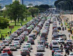 Brasília diz não ao lockdown em um grande protesto