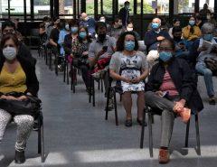MUNDO: O que explica o sucesso do Chile na vacinação contra a Covid-19?