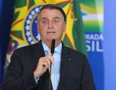 MEDIDA: Jair Bolsonaro zera PIS e Cofins do diesel e do gás de cozinha