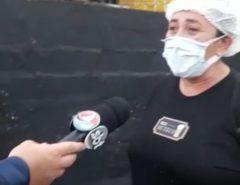"""VEJA O VÍDEO: PM fechar bar e trabalhadora desabafa: """"Cadê os respiradores?"""