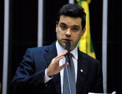 CRIMES VIRTUAIS: Crimes cibernéticos: Walter Alves quer aumentar pena para roubo de dados