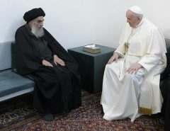 RELIGIÃO: Papa Francisco tem encontro histórico com aiatolá e visita local de nascimento de Abraão, pai do judaísmo, cristianismo e islamismo
