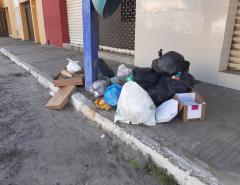 """""""ENTRE ASPAS"""": Lixo, lixo e mais lixo."""