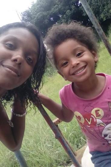 Gilmara e a filha assassinada