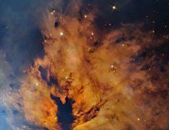 TECNOLOGIA: NASA começa a semana com fotografia de nebulosa 'flamejante'