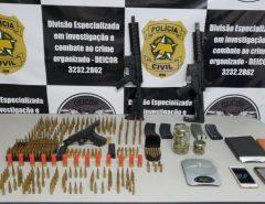 Cadeia: Polícia Civil prende duas pessoas em São Pedro do Potengi e apreende fuzis que seriam usados em resgate de presos no RN