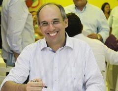 """Punição Para os Fura Fila na Vacina: Prefeito de Acari (RN) tem """"atitude"""" e exonera Secretário de Saúde"""