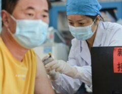 PANDEMIA: Hong Kong pode jogar no lixo milhões de doses de vacinas anticovid