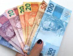 FIQUE LIGADO: Auxílio emergencial: beneficiários do Bolsa Família recebem hoje