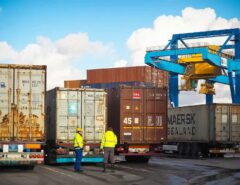 ECONOMIA: Puxadas pelo minério, exportações para a China crescem 36% até abril
